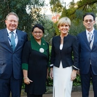 Foreign Minister Julie Bishop with Indonesian Foreign Minister Retno Marsudi, Australian business leader Andrew Forrest and his Indonesian counterpart Eddy Sariaatmadja at Perth Government House